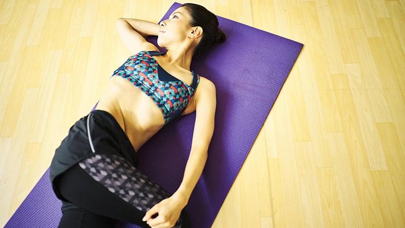 簡単にできる腰痛改善ストレッチ4