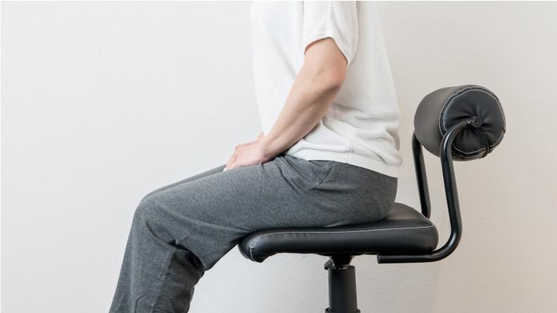 正しい座り方で腰痛対策2