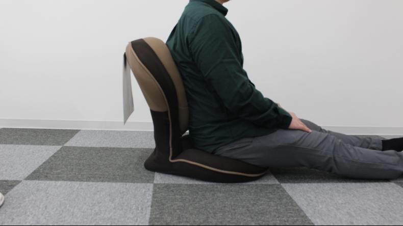 背筋がGUUUN 美姿勢座椅子3
