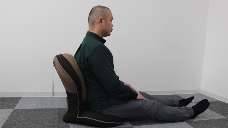 背筋がGUUUN 美姿勢座椅子4