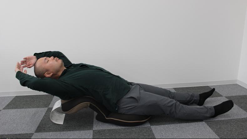 背筋がGUUUN 美姿勢座椅子5